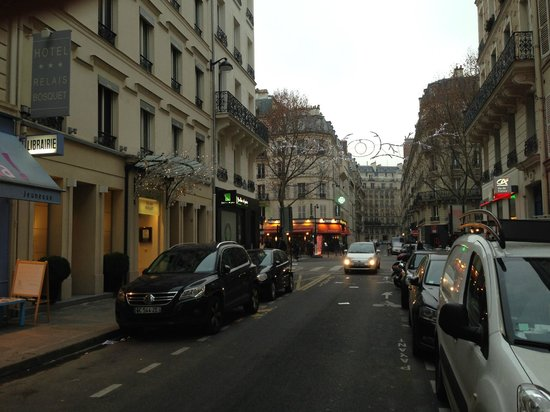 Hotel Relais Bosquet Paris: Hotel with sparkle lights on left