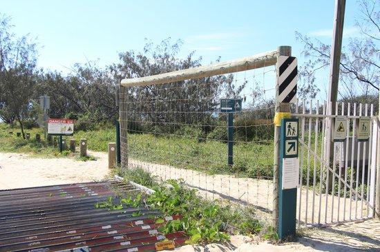 Eurong Beach Resort: Saída para a praia