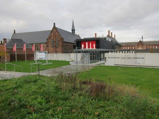 STAM Ghent City Museum: STAM Exterior