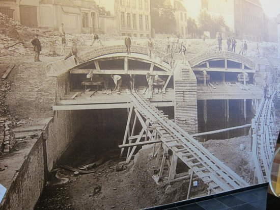 STAM Ghent City Museum: Building the sewers of Ghent