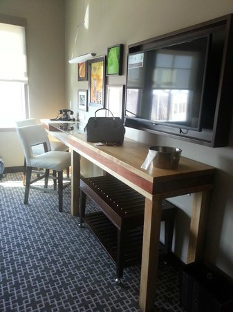 Epicurean Hotel, Autograph Collection : Desk/Table area