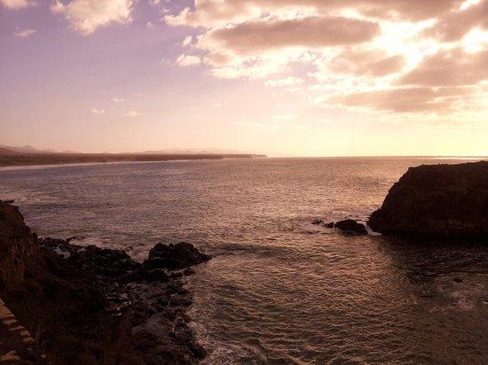 El Roque de los Pescadores: Entorno