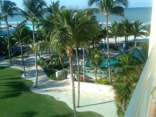 The Naples Beach Hotel & Golf Club : View of the pool from our balcony Watkins 615