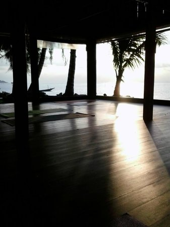 Samahita Retreat: Yoga - Beach Shala