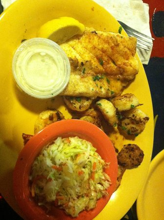 Frenchy's Saltwater Cafe : Seafood Medley Platter