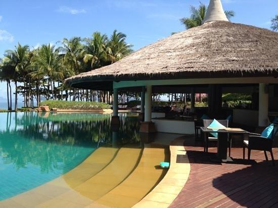 Phulay Bay, A Ritz-Carlton Reserve : pool bar