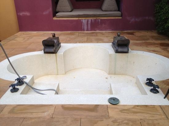 Phulay Bay, A Ritz-Carlton Reserve : outdoor bath