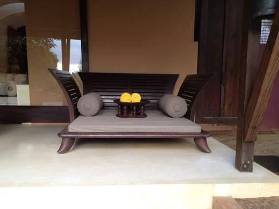 Phulay Bay, A Ritz-Carlton Reserve : outdoor daybed