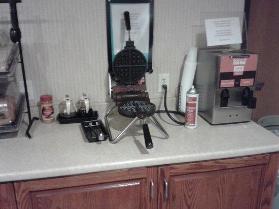 Colfax Inn: bfast area waffle section