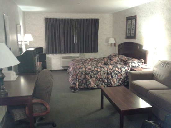Colfax Inn: king room