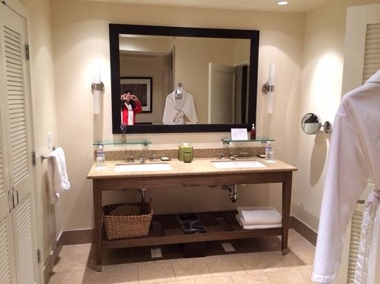 Carmel Valley Ranch: the vanity in the spacious bathroom