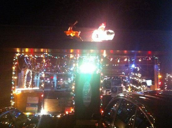 Willie's Locally Known: Holiday Decorations