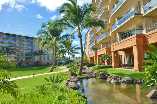 Honua Kai Resort & Spa : View toward the beach