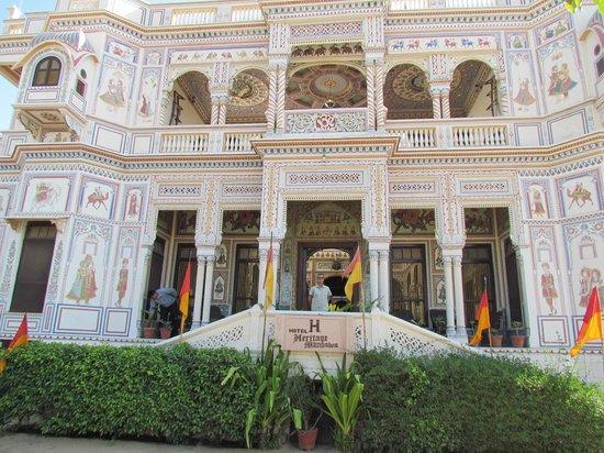 Hotel Heritage Mandawa : hotel outside