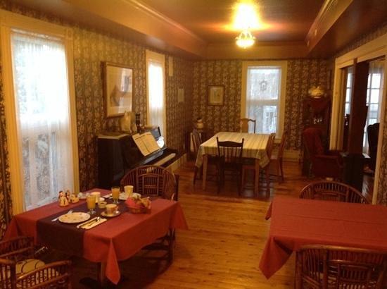 Auberge & Bistro d'Anjou : salle petit dej