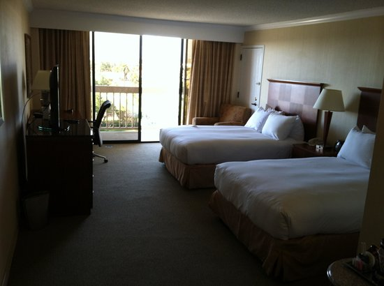 Ontario Airport Hotel and Conference Center: Room2
