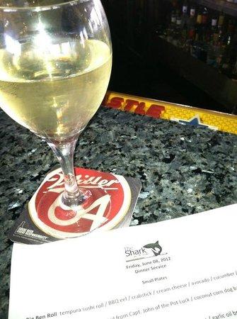 The Shark on the Harbor: Drinks @ the bar