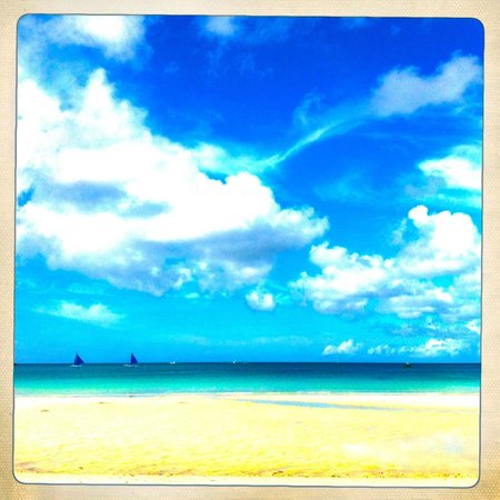 The District Boracay: But in the middle of the day, it's all pretty and quiet