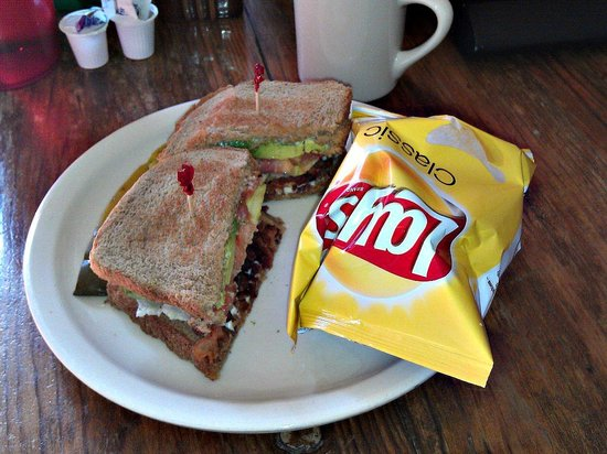 Marathon Coffee Shop: BLT, coffee, free wifi!