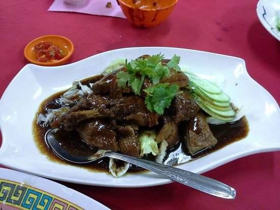 Teo Soon Loong Seafood Restaurant: Almost melt in my mouth, Teochew braised duck. 好吃!