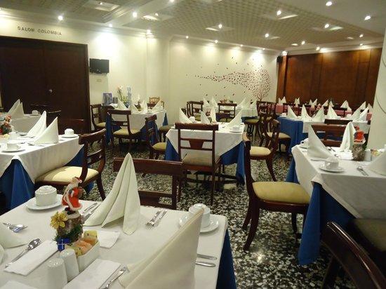 Hotel Dann Avenida 19: salão café
