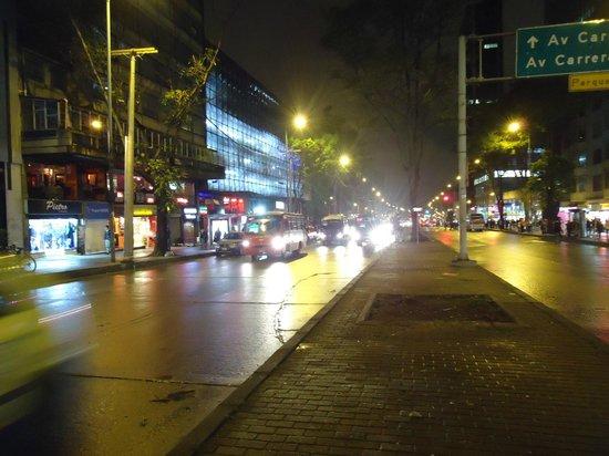 Hotel Dann Avenida 19: vista da rua