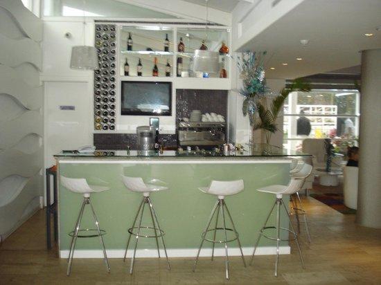 Agua Dorada Beach Hotel by LIDOTEL: Bar