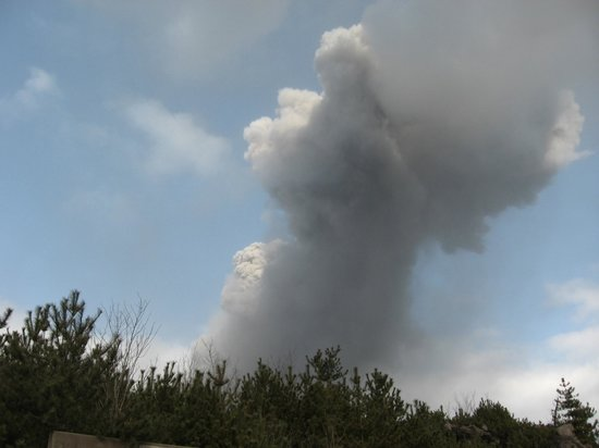 Sakurajima: 有村溶岩展望所より