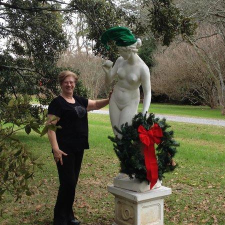 Houmas House Plantation and Gardens: Everyone gets Christmas decor at Houmas!
