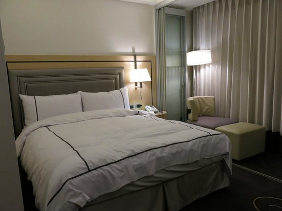 K Hotel (Taipei I): Deluxe Room - King Size Bed