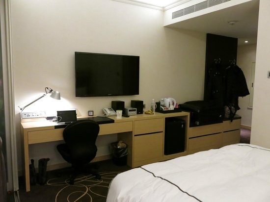 K Hotel (Taipei I): TV, Stereo Systems & electric kettle...