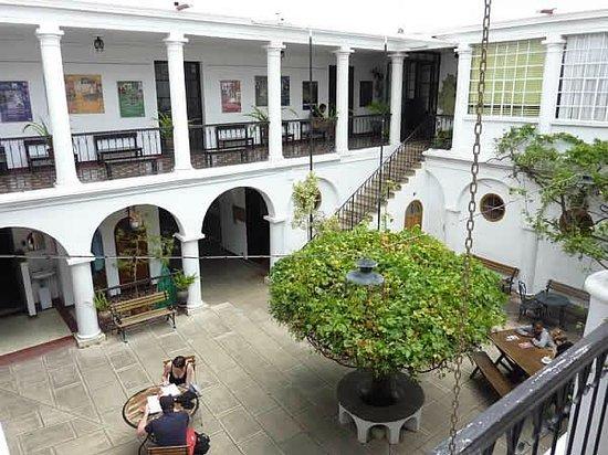 Kultur Berlin Hostal: First Restaurant Courtyard at KulturBerlin