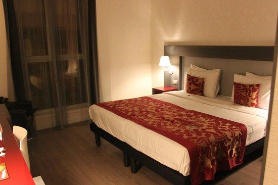 Hotel Palazzo Zichy : comfy bed
