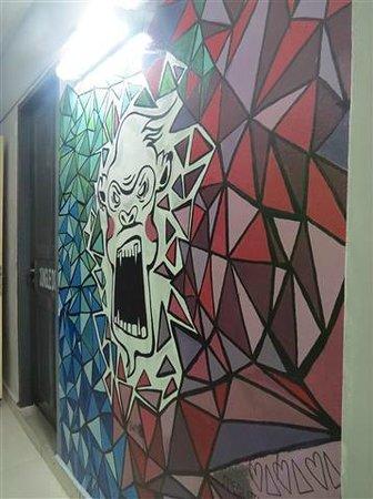 "Mad Monkey Hostel Phnom Penh: Corridor ""decor"""