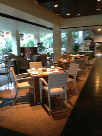 Ramada Bintang Bali Resort: Breakfast Seating area