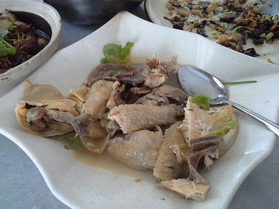 Hakka Kitchen Restaurant: 客家盐鸡