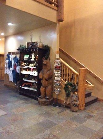 Cowboy Village Resort : lobby