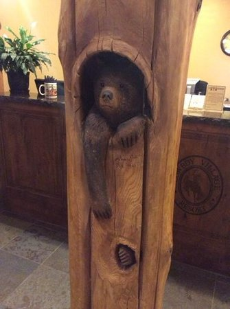 Cowboy Village Resort: bear at front desk