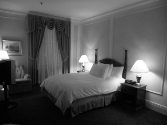Fort Garry Hotel: Bedroom