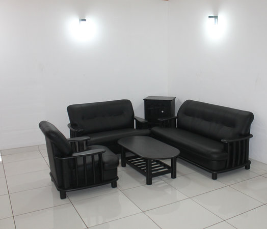 Mayura Apartment: Living room