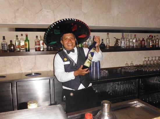 Luxury Bahia Principe Sian Ka'an Don Pablo Collection: Carlos @ lobby bar