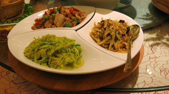 New Era Hotel Kunming: Dinner on 28th Floor