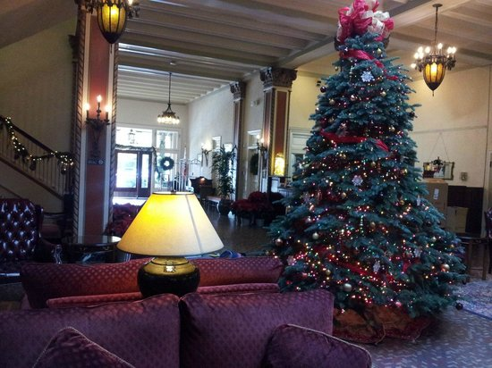 Cardinal Hotel: Christmas comes to the Cardinal
