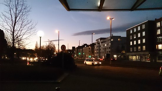 pentahotel Braunschweig: View from outside the main entrance