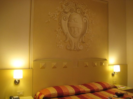 Bologna Hotel Pisa : Elegant room with sophisticated furnishings