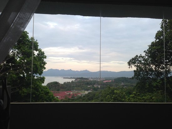 Ambong Ambong: View from the four poster bed