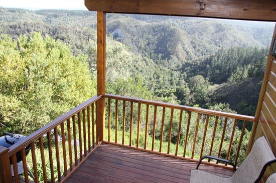Cliffhanger Cottages : View from cottage