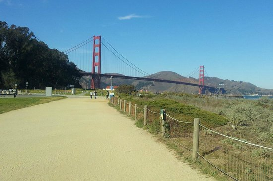 Crissy Field : A different perspective of the Golden Gate Bridge