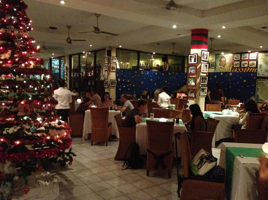 Massimo - Italian Restaurant : Christmas decoration