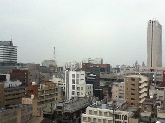 Nishitetsu Inn Kokura : 小倉駅やリーガロイヤルホテル、新日鐵住金様も見えます。